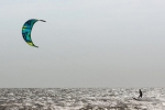 kite-surfer article